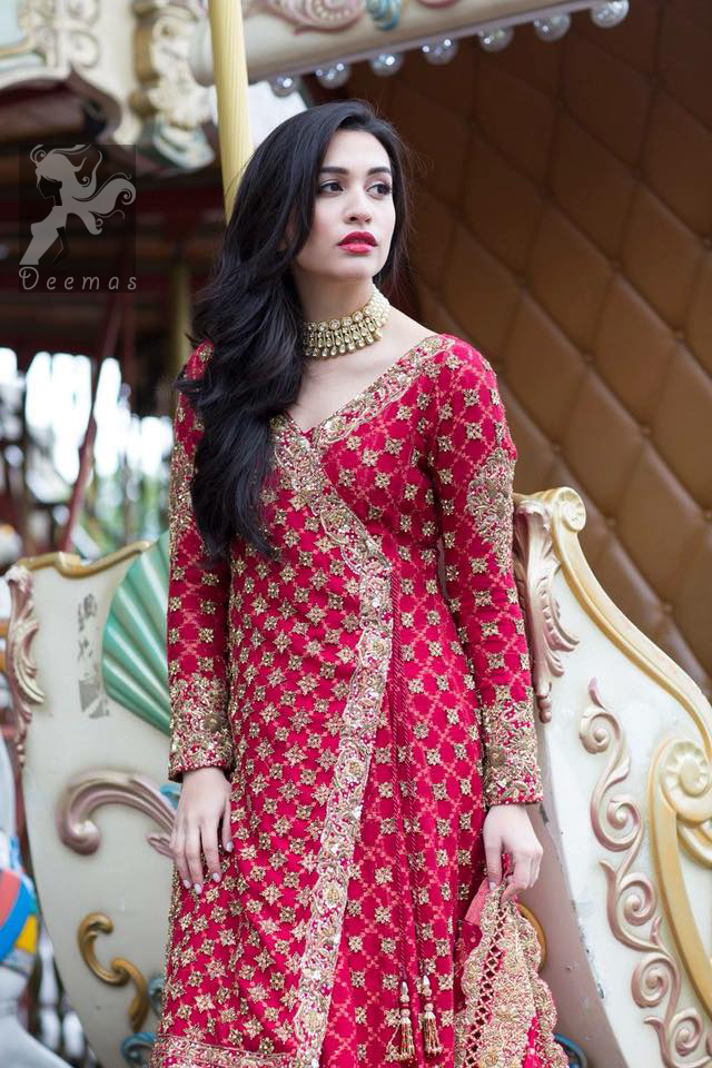 Pure banarsi chiffon jamawar gharara in Cardinal Pink and Mehndi Green. Cardinal pink self embroidered chiffon angrakha style gown. Gown adorned with dull golden and antique shades of embellishment. Pure banarsi chiffon jamawar dupatta having embellished border and small motifs spray.