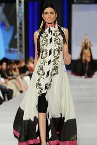 White and black tie and dye pure chiffon dupatta. Dupatta is finished with shocking pink silky patti.